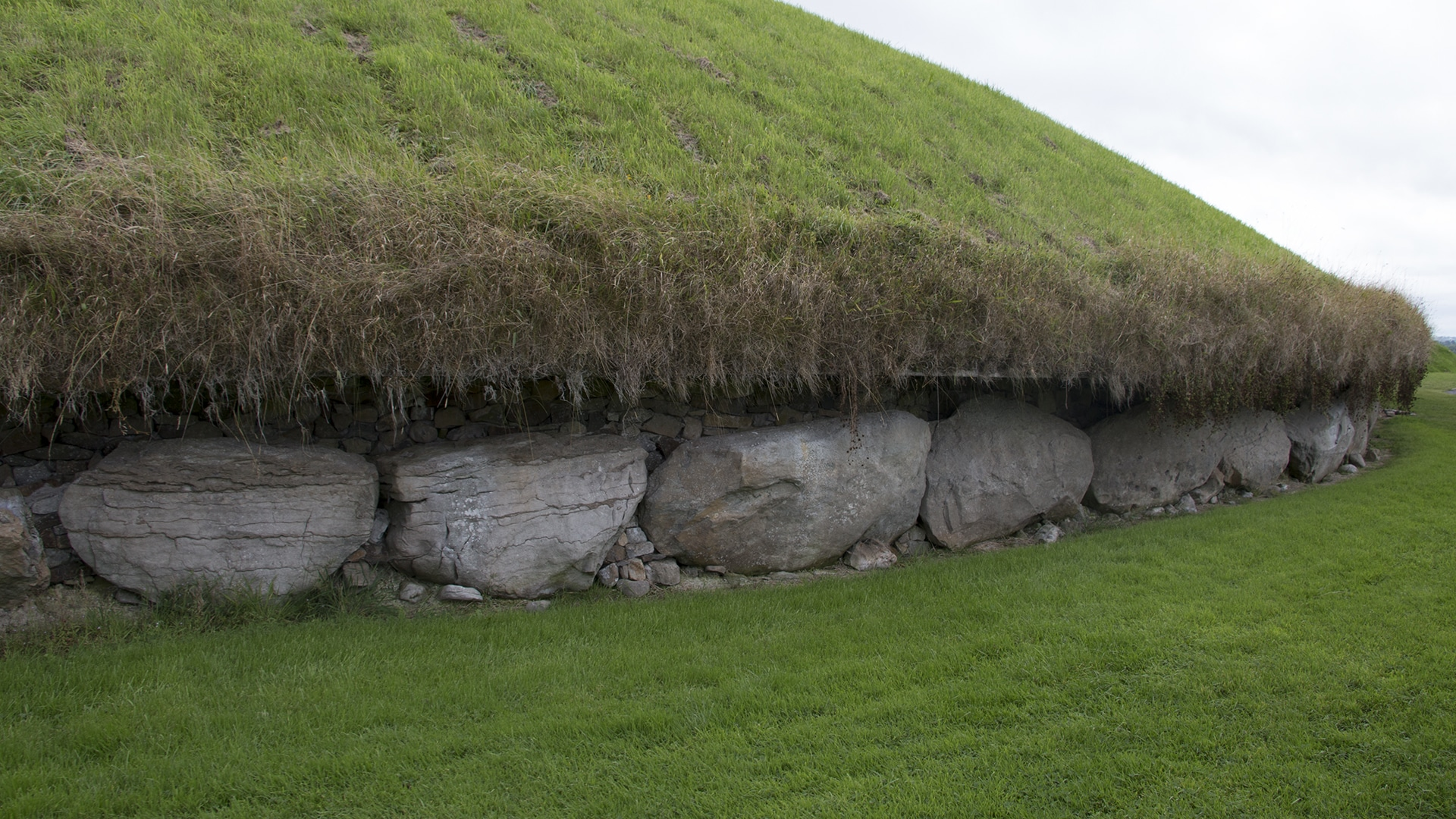 Tomb at Knowth